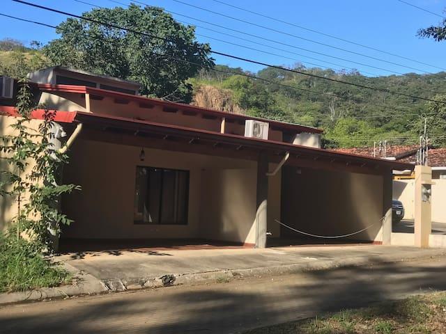 Casa de Playa en fantástica área turística. - Guanacaste, Sardinal de Carillo - Casa