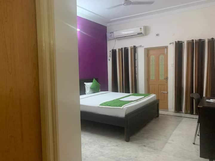 Homely accommodation at banjara hills