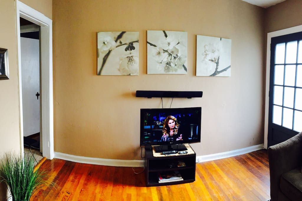 Entertainment center with Apple TV (HBO Go, CNN live, Netflix, ESPN and more)