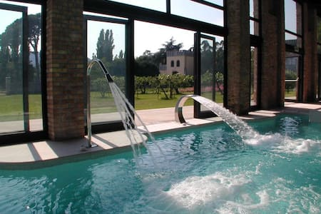 Torretta Castle with heated pool and organic wines - Monselice - Kastil