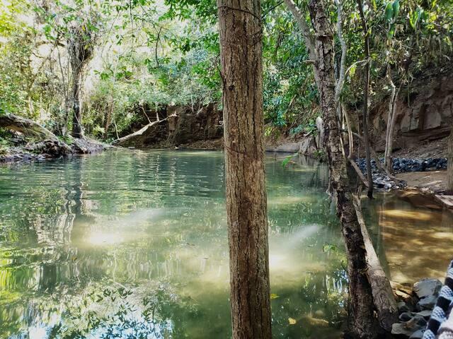 Flat aconchegante, com acesso ao rio quente I