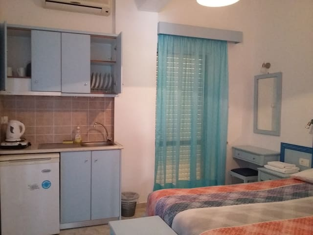 Klima Rooms Guest House - Palaiochora - เกสต์เฮาส์
