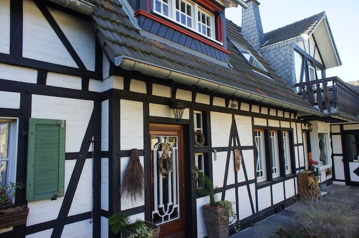 Apartment in a lovely old timbered house 1-5 Per.