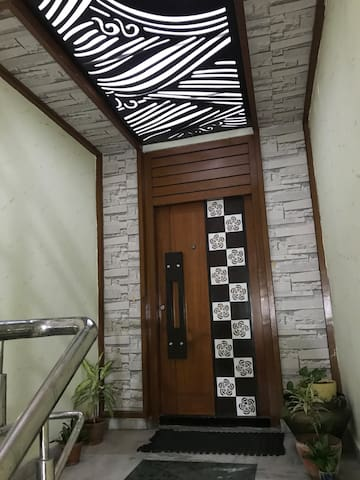 3 BHK 3000 sft fully furnished flat in Basheerbagh
