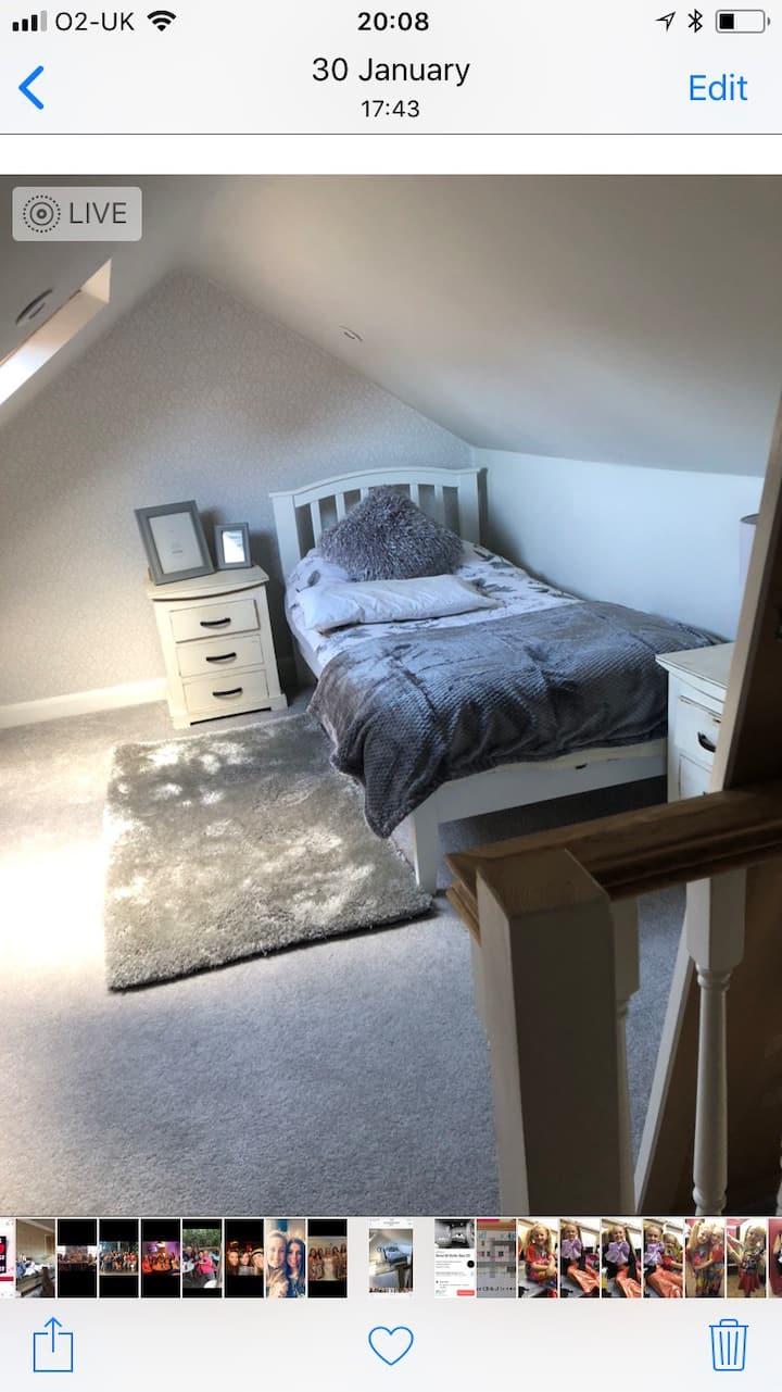 Single grey room
