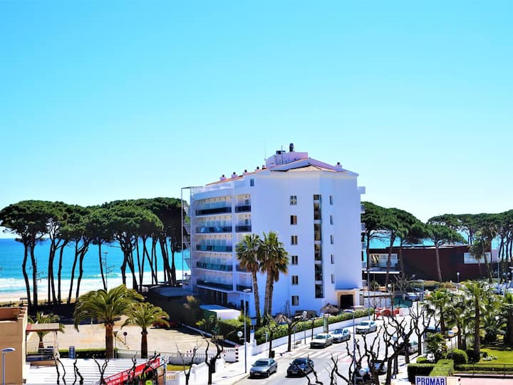 Studio PROMAR with pool,, 100m. from the beach, in the center of La Pineda (470)