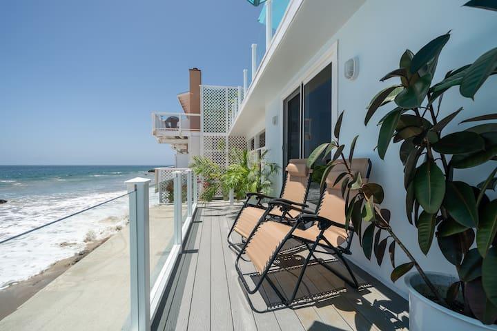 60 Feet Stunning OceanFront 1 Bedroom Malibu Condo