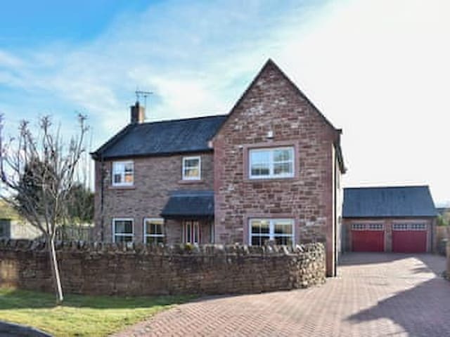 Bolan House, Beautiful Eden Valley, Four Bedrooms