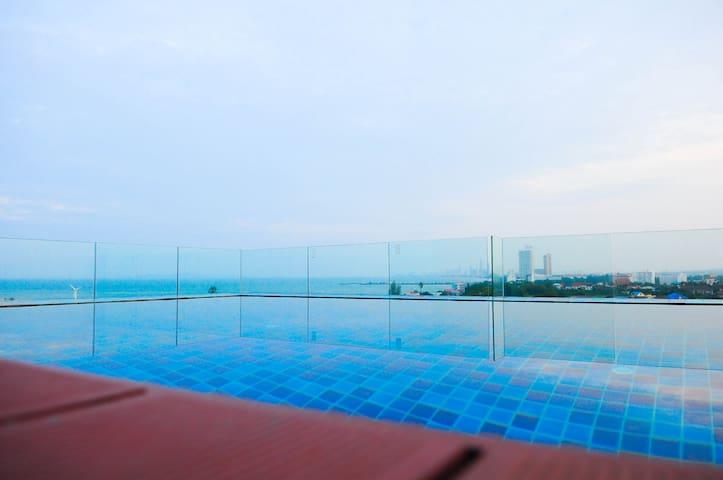 Beach, Sunny, Cozy studio, Seafood nearby - Tambon Na Chom Thian - อพาร์ทเมนท์