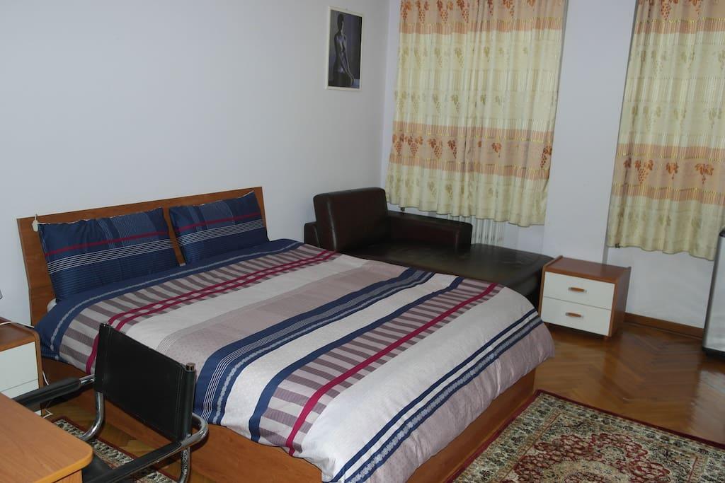 1号房 双人房,可以加一人是沙发床是3人房