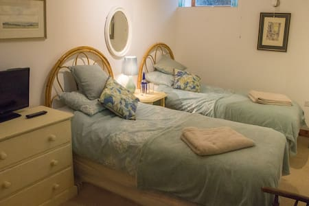 Twin room(ensuite - Fishguard - 独立屋