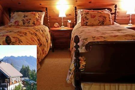 Banksonhaus King/twin Cedar Suite - Snoqualmie Pass - Bed & Breakfast