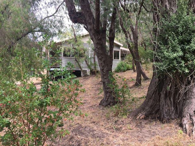 Kangaroo Hollow ~ Preston Beach ~ Hampton Styled