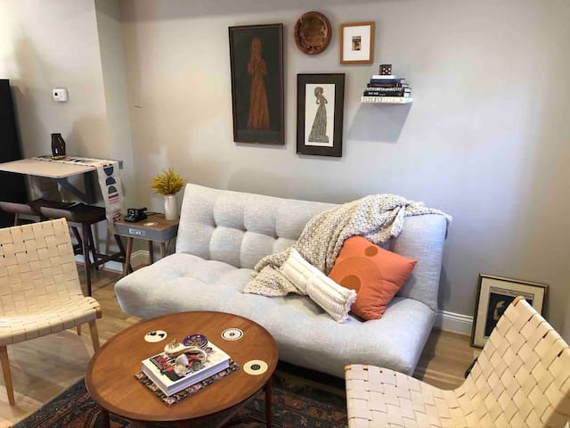 Q Street Row home in the middle of Logan Circle!