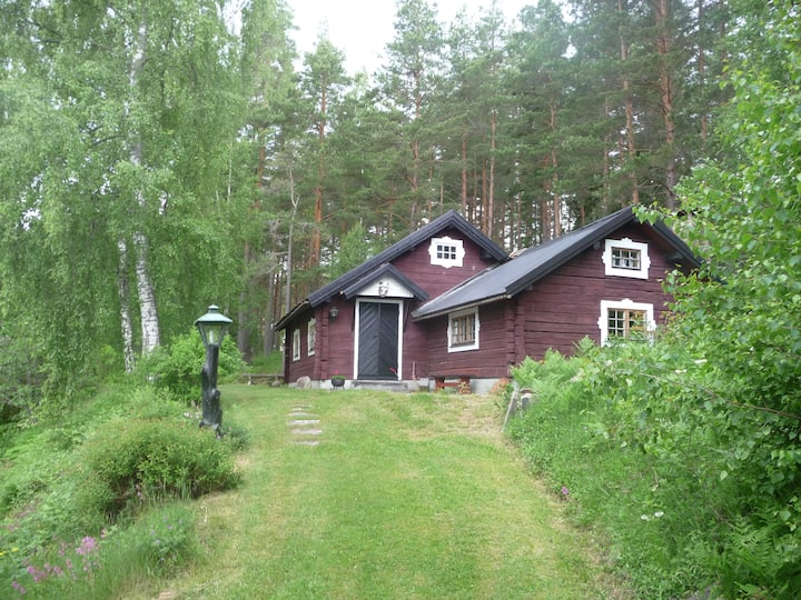 Charming cottage, beautiful nature, lake in 200 m.