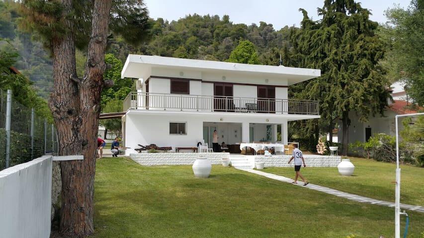 Villa 20mts from the sea!! - Kalandra - 別荘