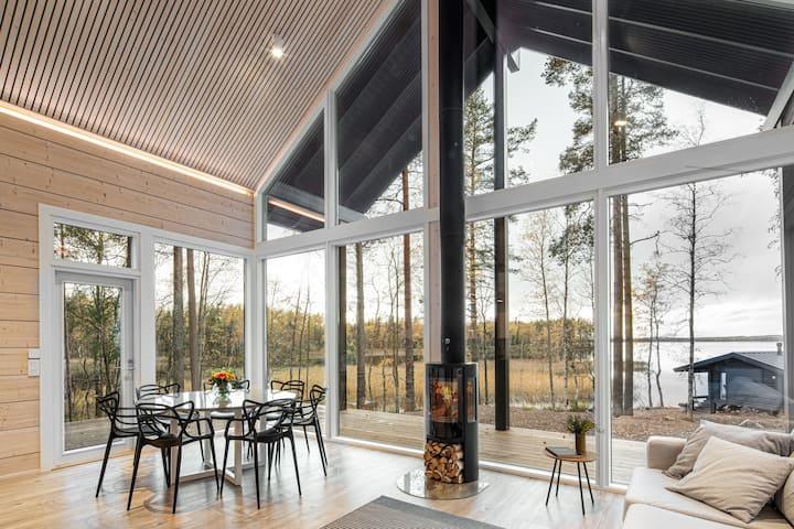 Lakeside Villa with hot tub and wood heated sauna