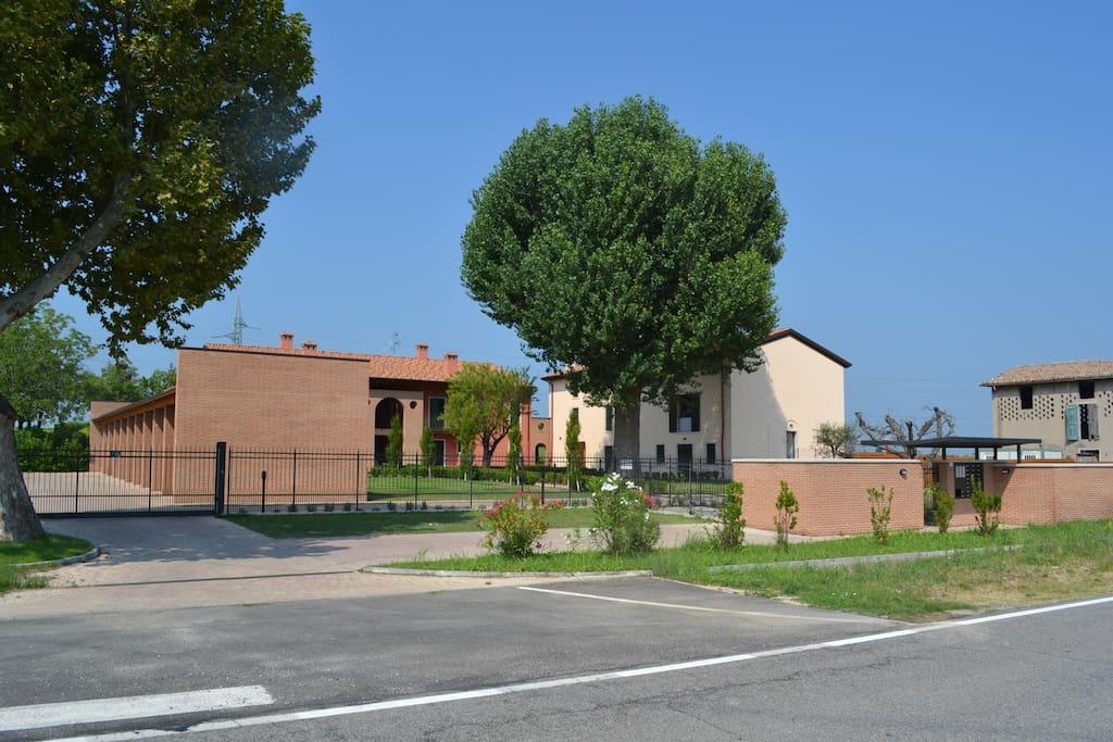 "Ingresso al Residence ""La Casetta di Cordevigo"""