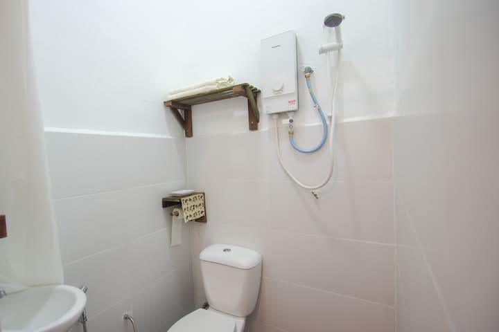 Bedroom - Private Washroom
