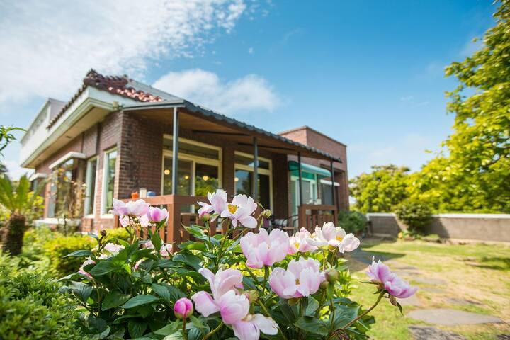 #제주감성숙소 #제주꽃피는정원 #독채하우스 가족과 함께하는 여유로운 힐링여행
