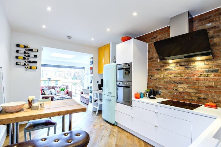 Bright and homely 2 bed garden flat - Palmers Green  - Apartmen