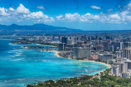 Heart of Downtown-Parking Included - Honolulu
