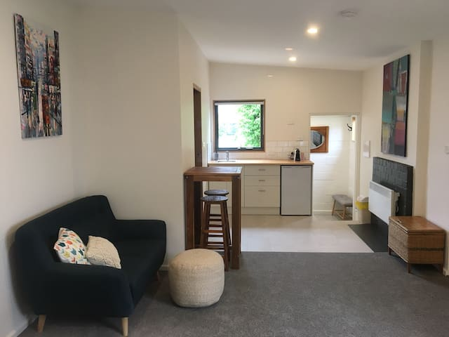 Bayside Studio - newly renovated with a patio