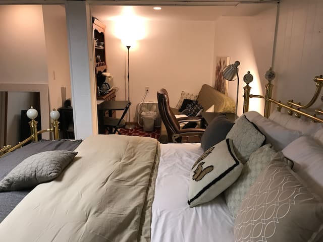 *PRIVATE APT. W/ PRIV BATH Near NYC/EWR/OutletMall - Hillside - Διαμέρισμα