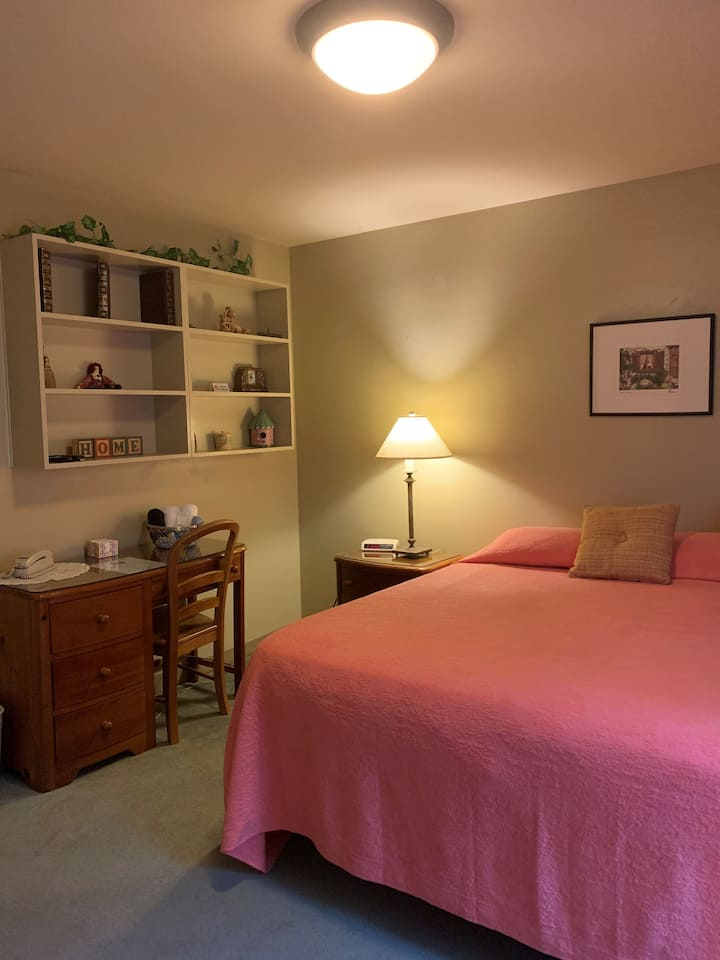 Small Room with King Bed and Private Bathroom