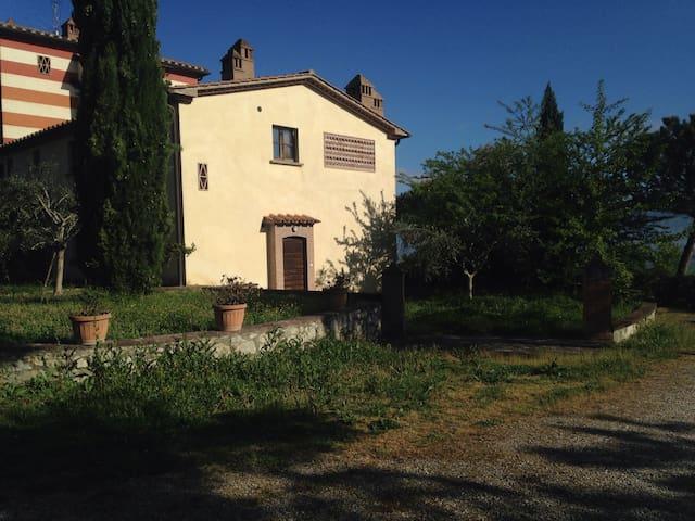 Appartamento con giardino - Citerna - Flat