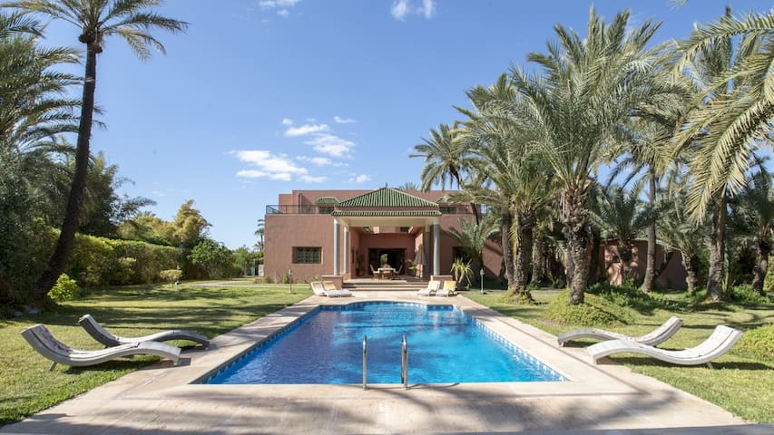 Prestigious villa in a private estate - Marrakech Palmeraie - Casa