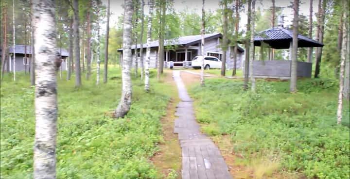 Коттедж на берегу озера в Финляндии