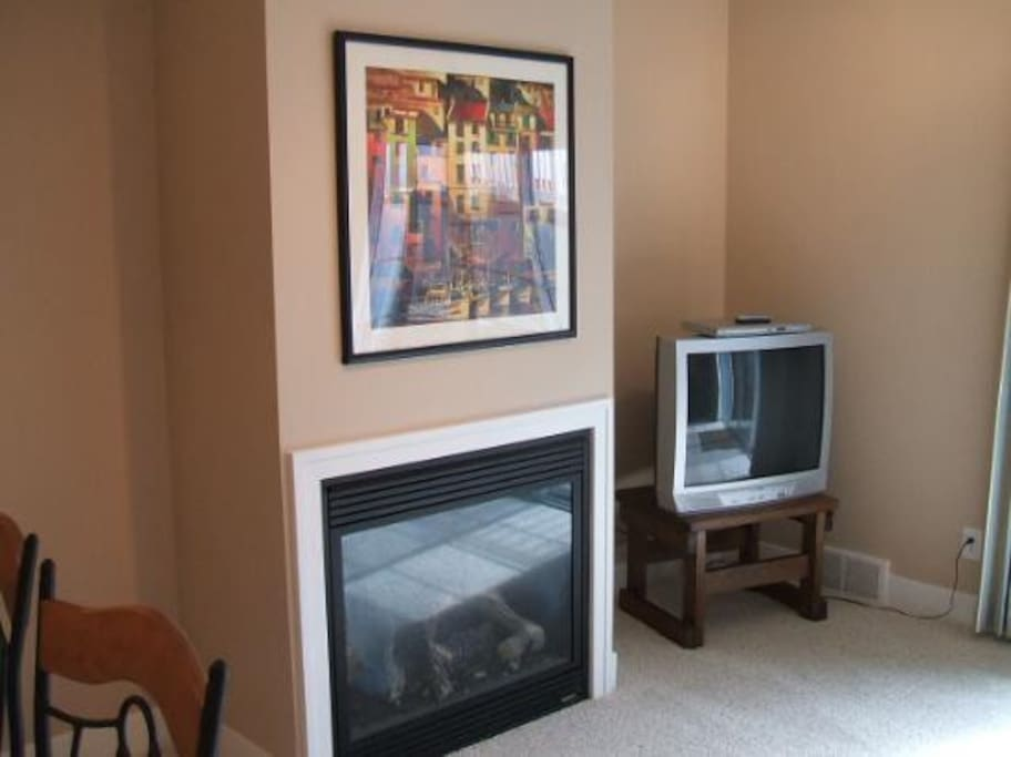 Living Room With Fireplace and Flat Screen