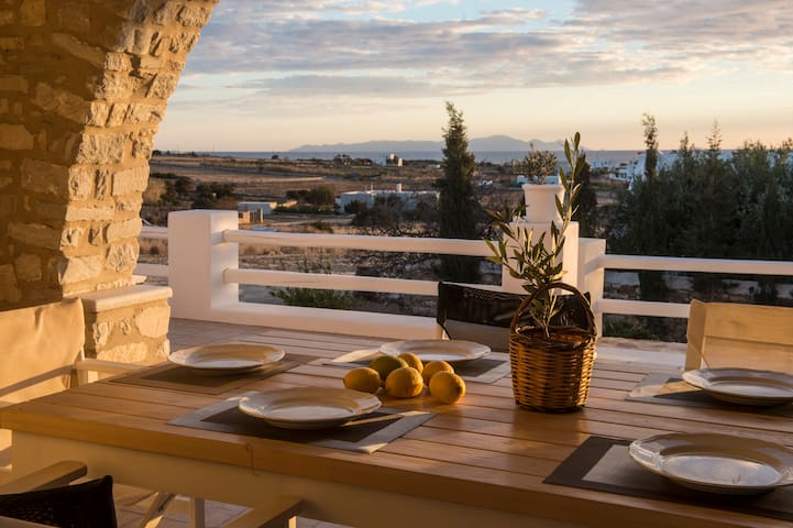 Villa Aliki -near beach - Paros - Rumah