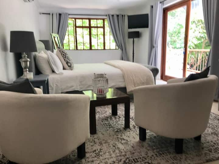 WILLOW BROOKE GUEST SUITE