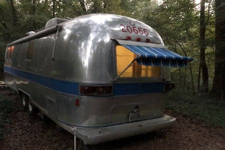 Airstream Avalon
