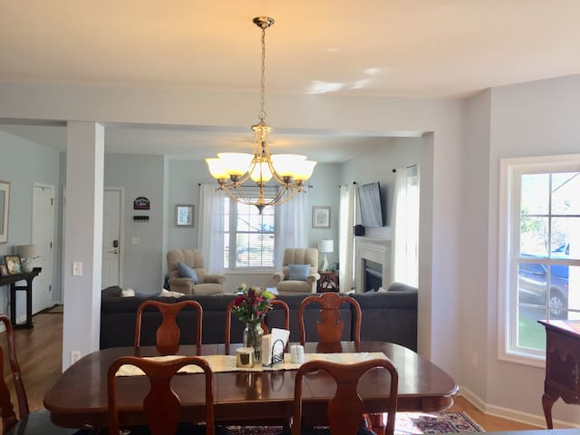Open Living area/dining room