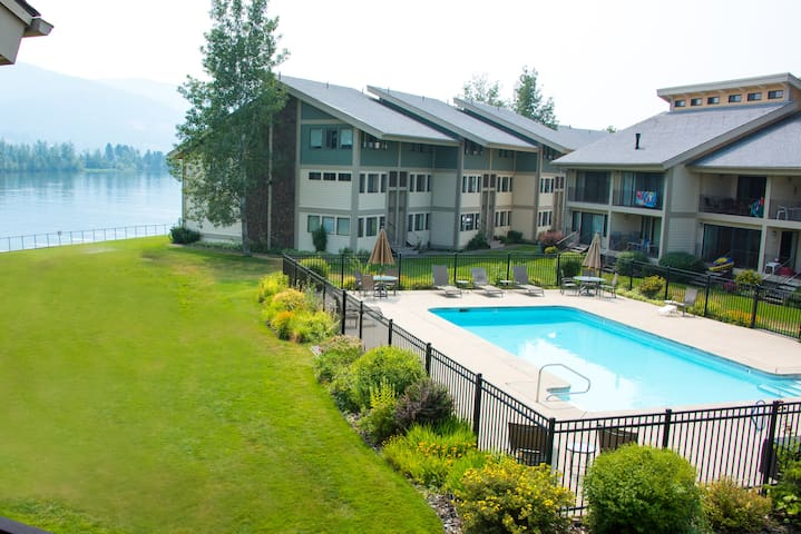 Newly remodeled condo on Lake Pend Oreille