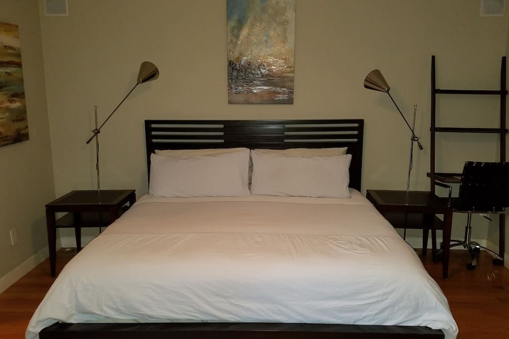 King bed in Garden Room