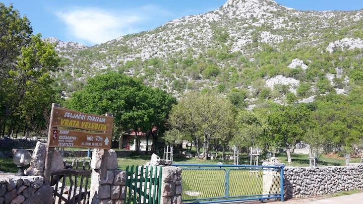 Natural camping area Vrata Velebita,3km from beach