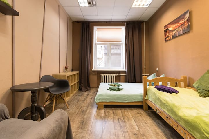 TWO SEPARATE BEDROOMS ★ BESSARABSKA SQUARE ★ B5/47