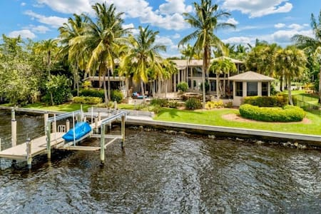 Tropical Florida Mansion