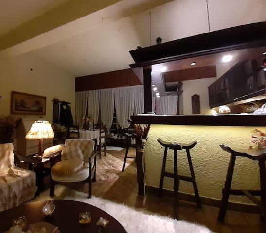 Παραδοσιακό σπίτι - Traditional house