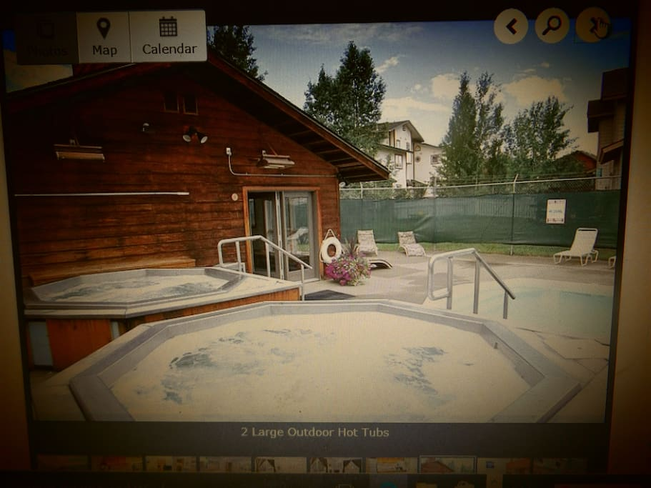Two hot tubs for guess use