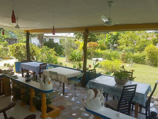 Chez Ahmed Self catering 2 - La Digue - Lägenhet