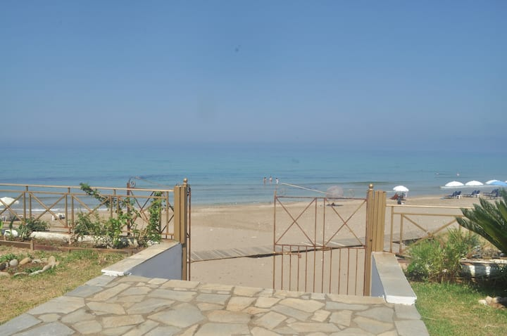Beachfront Studio Apartments in Agios Gordios Beach