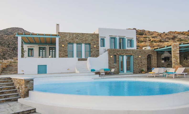 Magganari View Villa