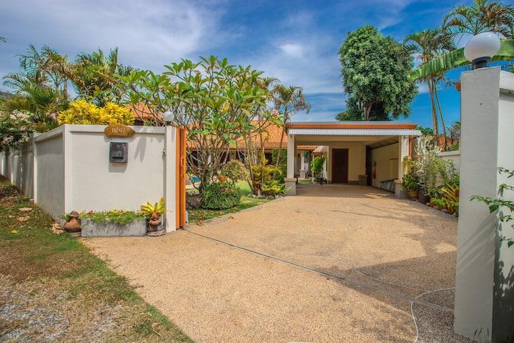 Private Garden Villa_ 3 bedrooms~1200Sqm~