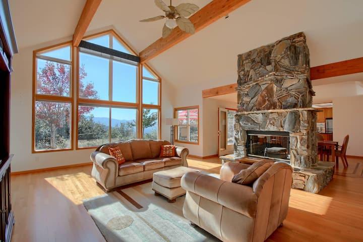Yosemite Hilltop Oasis | Pool | Views | AC