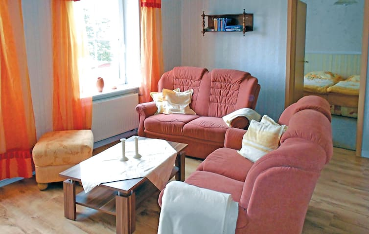 Holiday apartment with 2 bedrooms on 83 m² in Sagard